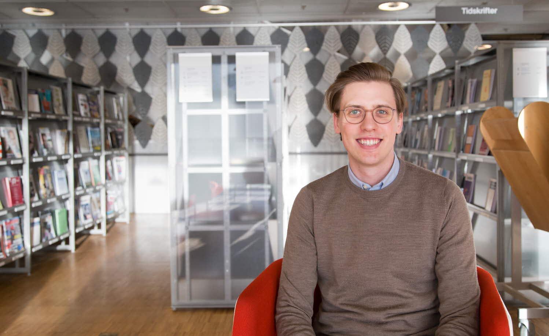 Simon Ottosson på universitetsbiblioteket