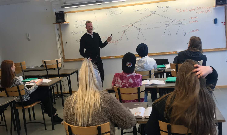 Jan Graae Nielsen undervisar i matematik