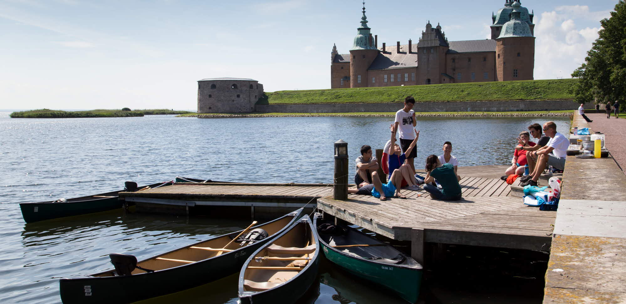 International students by Kalmar Castle